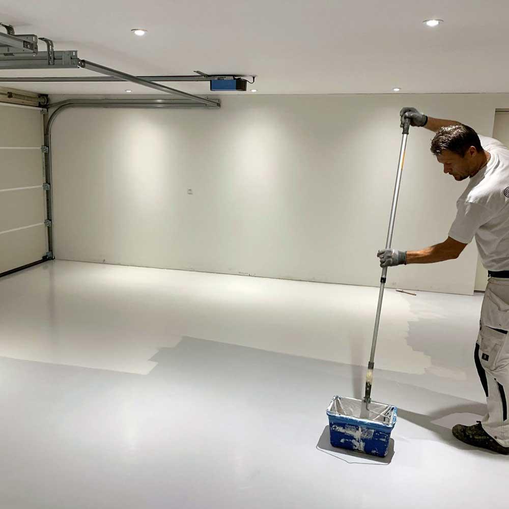 Maling af epoxygulv i garage