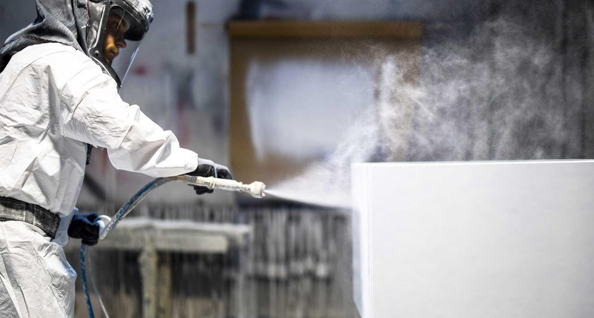 Sproejtemaling for erhverv snedker og tømrer