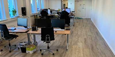 Gulvlægning af LVT i kontorer og storrum