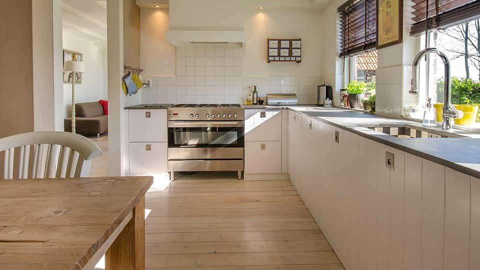Maling af køkkenet