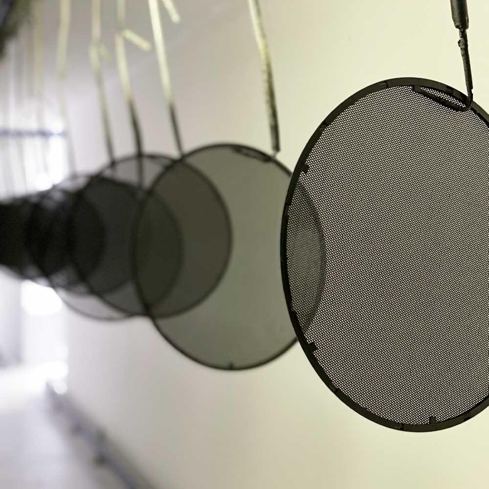 Maling af højtalergitre for AV firma
